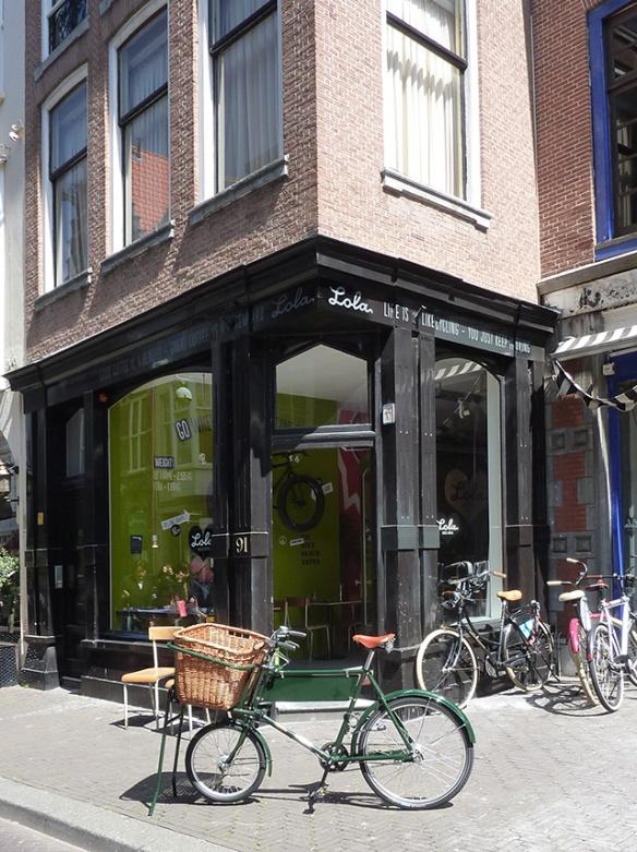 Lola-Bikes-and-Coffee