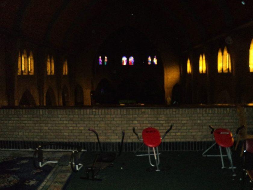 Sporttoestellen voor ongedocumenteerden in de Haagse Sacramentskerk