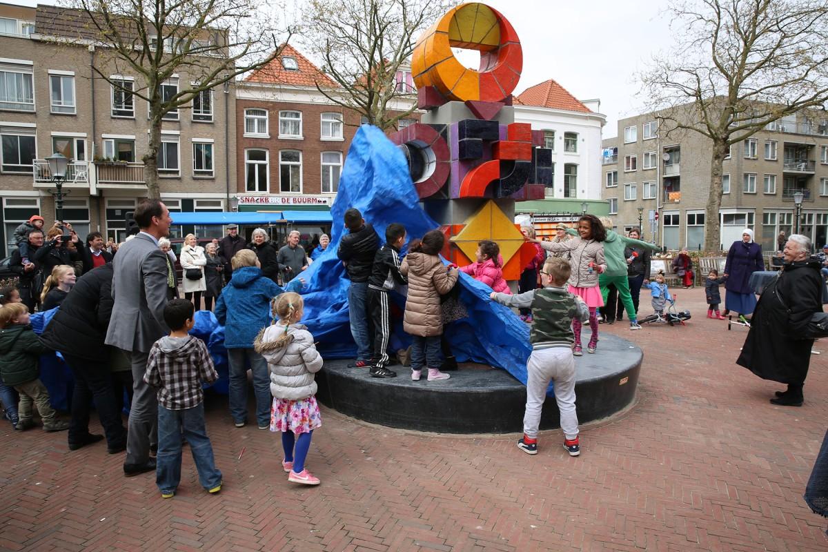 Heronthulling Beeld Jan Goeting op Elandplein doorRevis