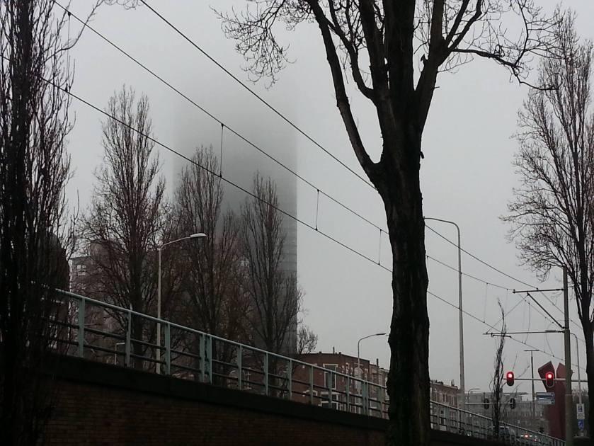 Strijkijzer in de mist