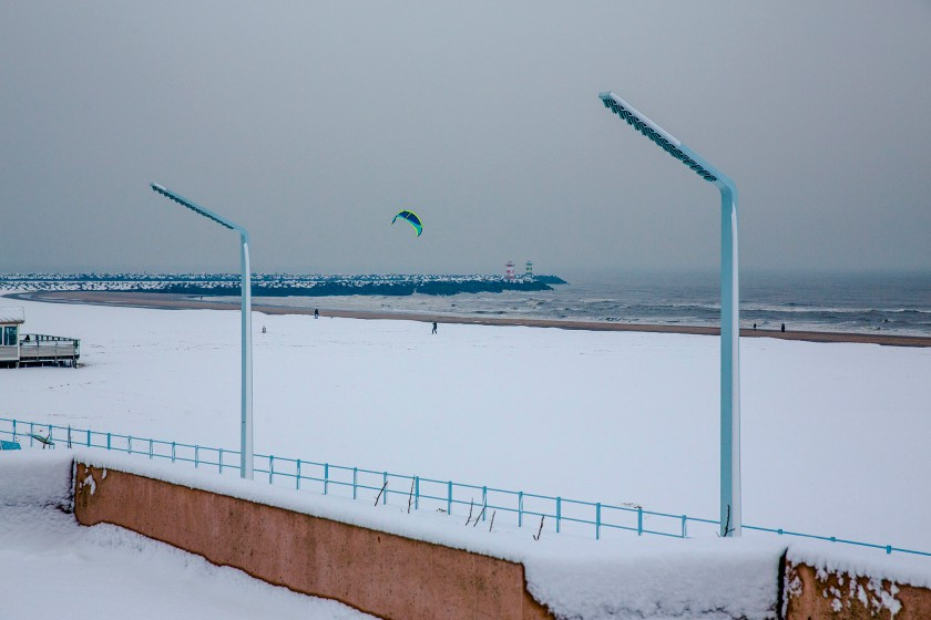 lonely-kite-skier-_56a2317a_1kl
